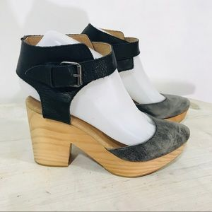 Free People Leather Wood Sandals Shoes Black Gray